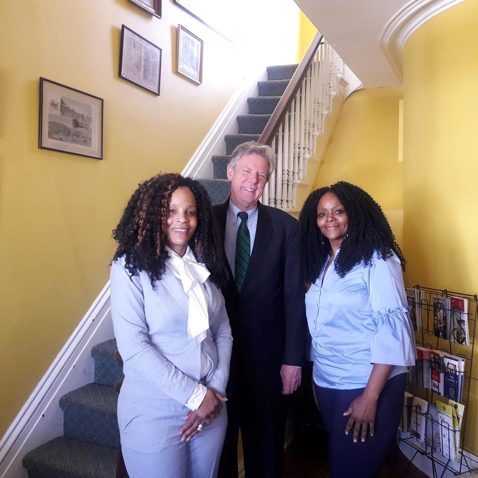 US Congressman Frank Pallone (NJ-06) met with Autism Speaks Volunteer Advocacy Ambassador, Felisha Bass to discuss the challenges facing families and children with special needs.